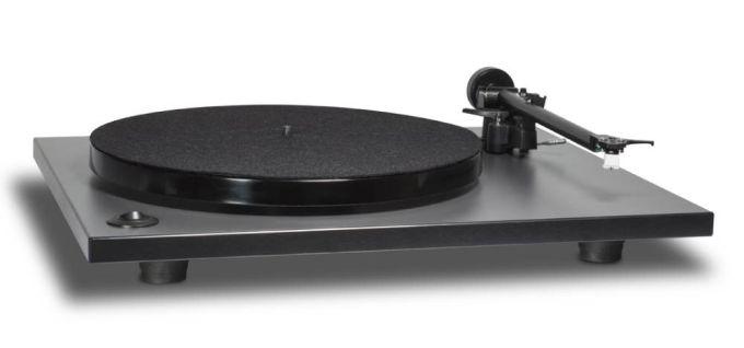 NAD-C556-gramofon-01